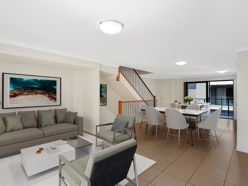 32/10 Riverview Road Nerang, QLD 4211