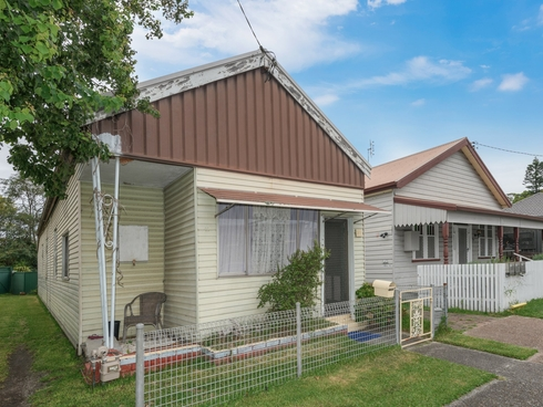 37 GRAHAM ROAD Broadmeadow, NSW 2292