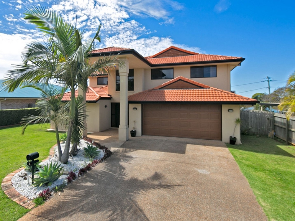 1 Lindeman Place Redland Bay, QLD 4165