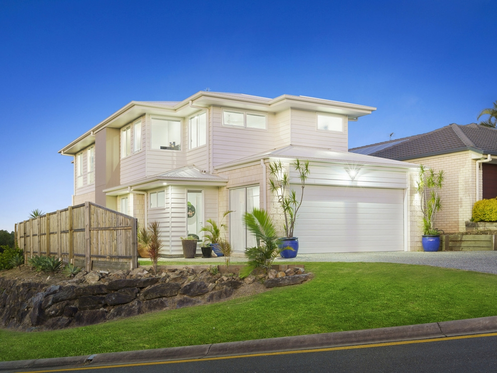 2 Carter Street Pacific Pines, QLD 4211