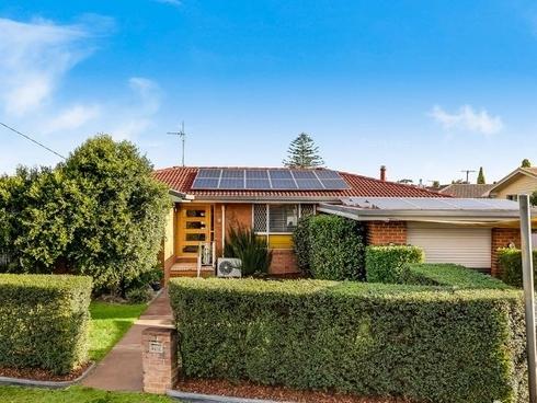 18 Nugent Crescent Wilsonton, QLD 4350