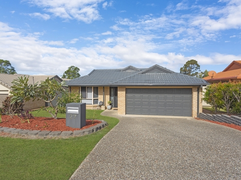 27 Macadie Way Merrimac, QLD 4226