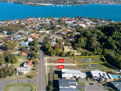 39 Thompson Road Speers Point, NSW 2284