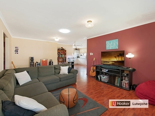 242 Bapaume Road Holland Park West , QLD, 4121