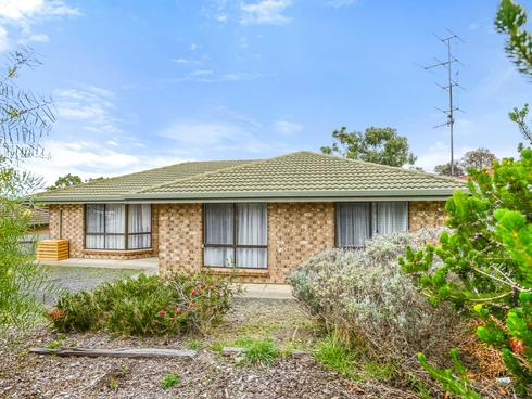 27 Norfolk Avenue Victor Harbor, SA 5211