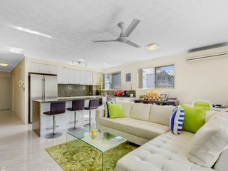 35/12 Whiting Street Labrador , QLD, 4215