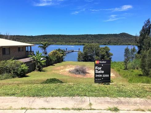 77 Wahine Drive Russell Island, QLD 4184