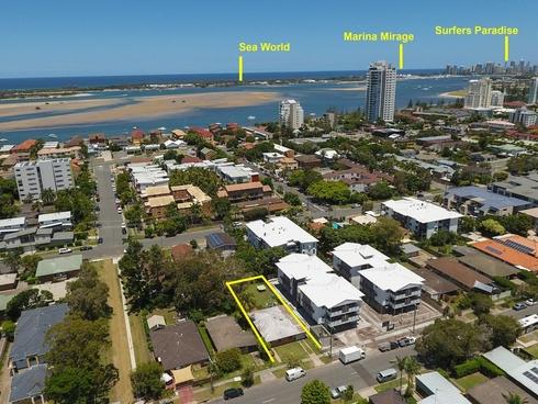 121 Muir Street Labrador, QLD 4215
