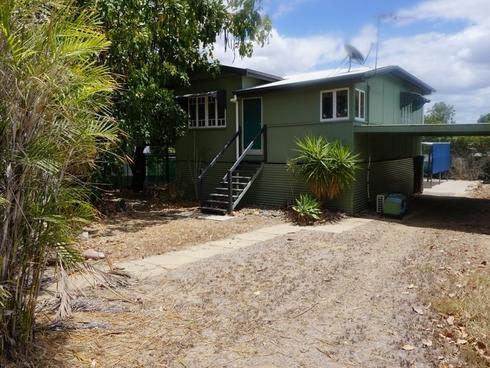 32 Eleventh Avenue Collinsville, QLD 4804