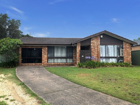 17 Hawkesbury Close Bateau Bay, NSW 2261