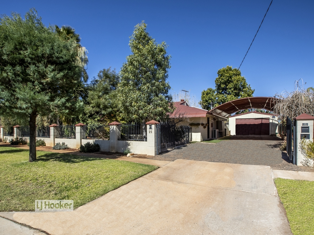 25 Dixon Road Braitling, NT 0870
