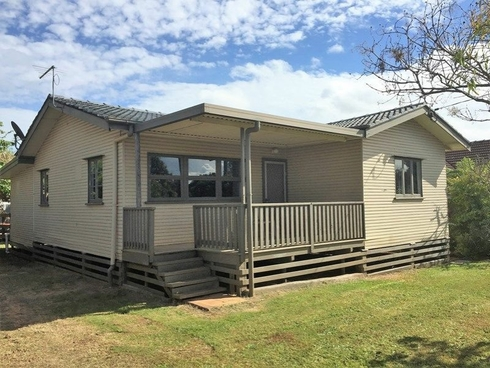 95 High Street Russell Island, QLD 4184