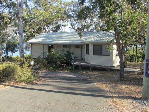 101 Beelong Street Macleay Island, QLD 4184