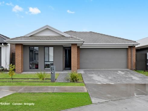 19 Taranga Street Gledswood Hills, NSW 2557