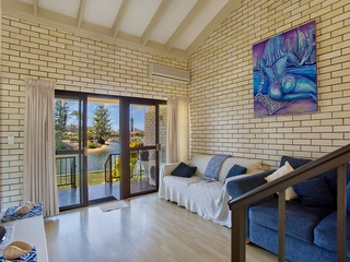 3/59 Hooker Boulevard Broadbeach Waters , QLD, 4218