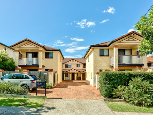 2/33 Hall Street Chermside, QLD 4032