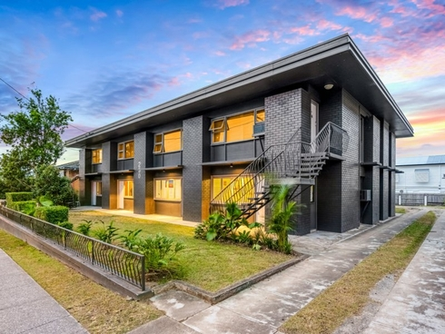 230 Cavendish Road Coorparoo, QLD 4151
