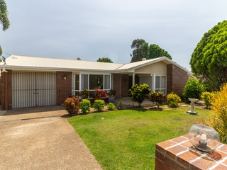 8 Clabon Street Hillcrest , QLD, 4118