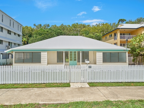 59 Sims Esplanade Yorkeys Knob, QLD 4878