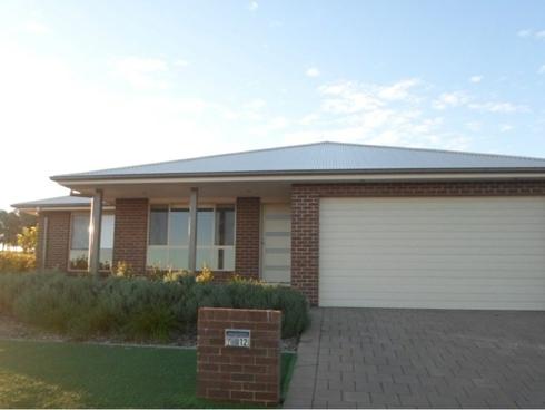 2/12 Lilydale Terrace Dubbo, NSW 2830