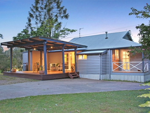 266 Tallebudgera Creek Road Tallebudgera Valley, QLD 4228