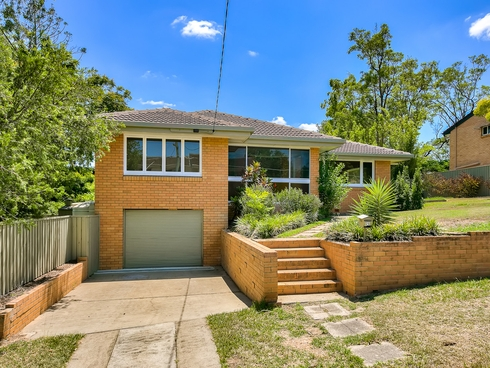 25 Doulton Street Stafford Heights, QLD 4053