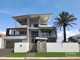 18 Raby Bay Boulevard Cleveland, QLD 4163