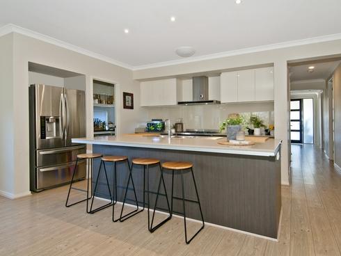 5 Collie Crescent Ormeau Hills, QLD 4208