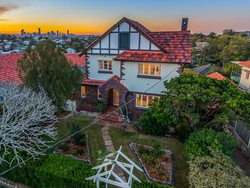 30 Percival Terrace Holland Park, QLD 4121