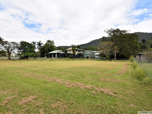 7 Campbell Street Tully, QLD 4854