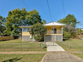 1 Deerdale Street Stafford Heights , QLD, 4053