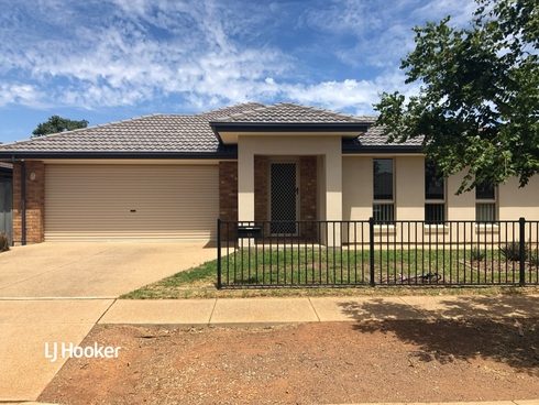 19 Lafitte Way Andrews Farm, SA 5114