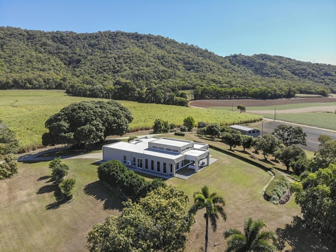 42 Coolalinga Drive Port Douglas, QLD 4877