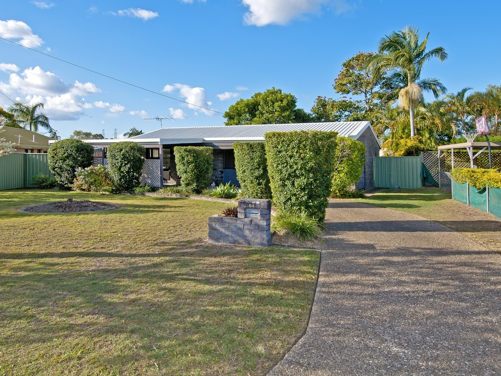 64 Harding Bvd Mount Warren Park, QLD 4207