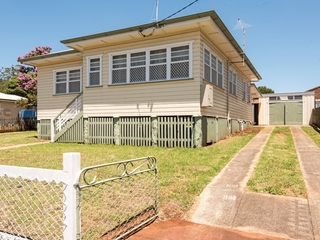 19 Ford Street Rockville , QLD, 4350