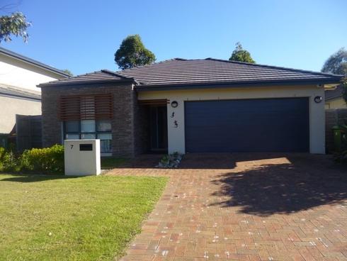 7 Emerald Waters Avenue Wyong, NSW 2259