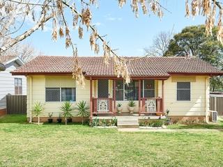 42 Adams Street Ashmont , NSW, 2650