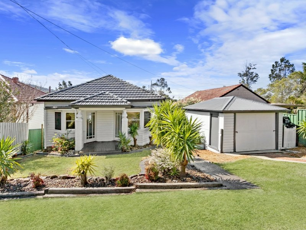 2 Phillips Avenue West Wollongong, NSW 2500