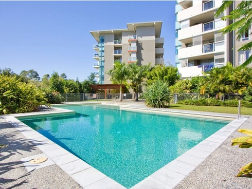 2202/12 Executive Drive Burleigh Waters, QLD 4220