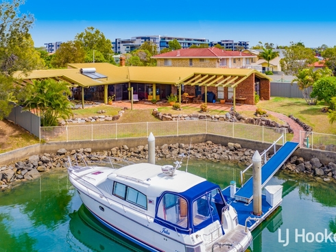 40 Bowsprit Parade Raby Bay, QLD 4163