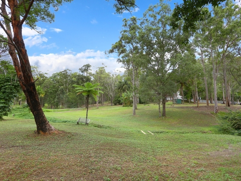 8 Nature Valley Court Tallai, QLD 4213