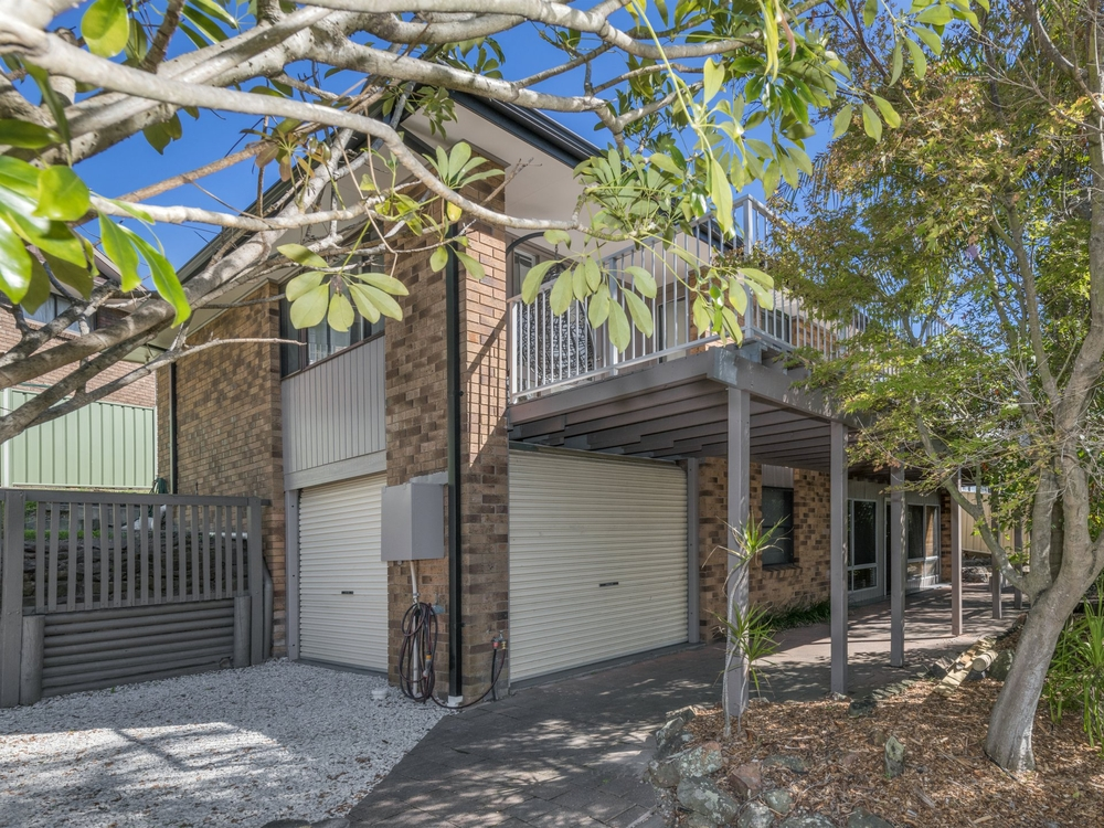 8 Kenley Crescent Macquarie Hills, NSW 2285