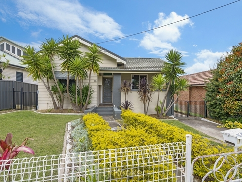 18 Chippindall Street Speers Point, NSW 2284
