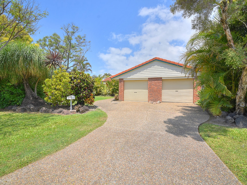 22 Auk Avenue Burleigh Waters, QLD 4220