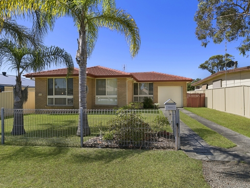 33 Melrose Avenue Gorokan, NSW 2263