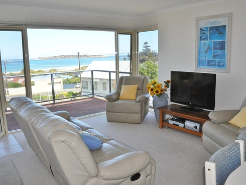 2/35 The Crescent Victor Harbor, SA 5211