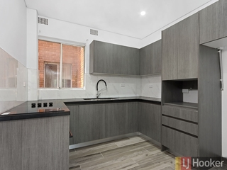 8/22 High Street Carlton , NSW, 2218