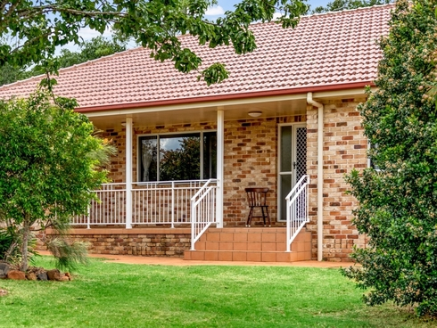 13-15 Chifley Court Middle Ridge, QLD 4350
