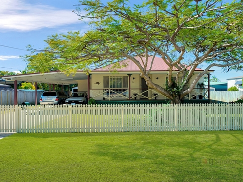 24 Crescent Avenue Hope Island, QLD 4212