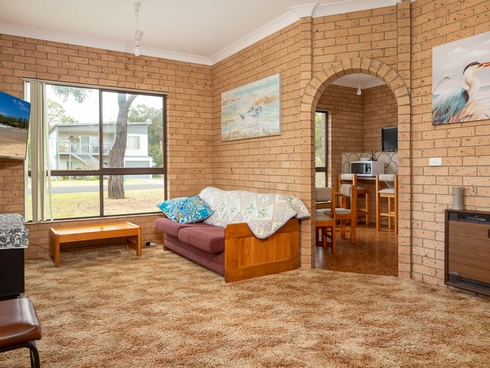 1/53 Golf Links Drive Batemans Bay, NSW 2536